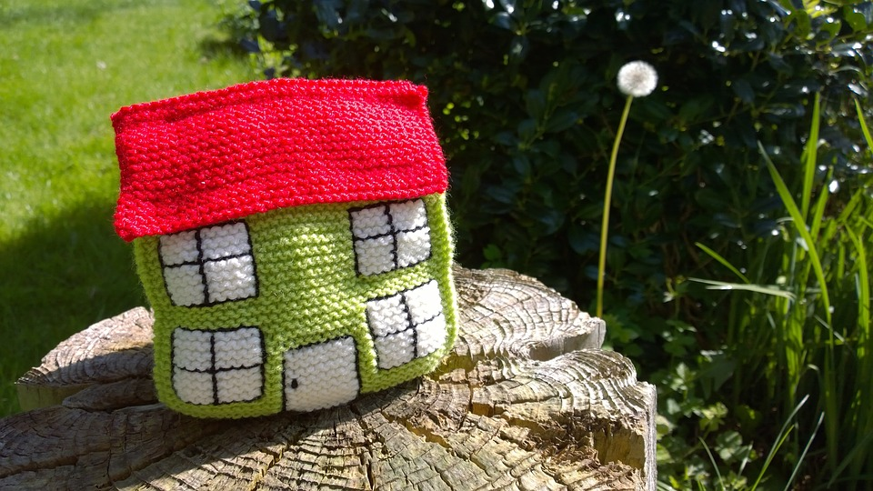 Úrokové sazby hypoték mírně rostou, zájem o hypoteční úvěry klesá