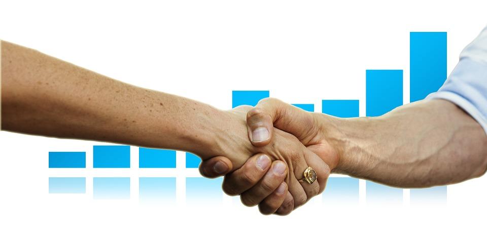 Spoludlužník hypotéky – jaká úskalí či výhody přináší?