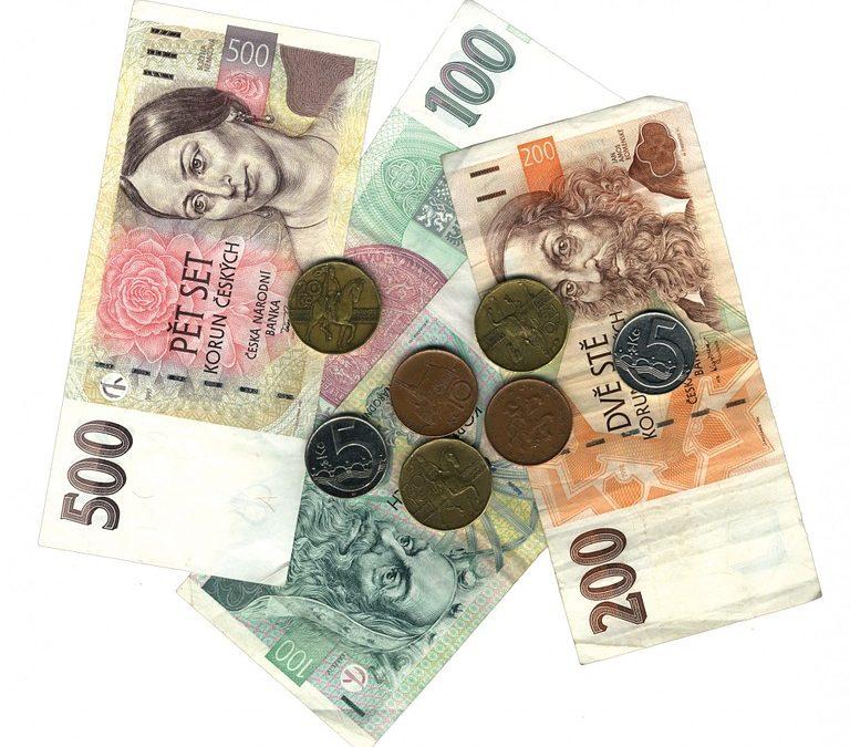 Osobní finance pod tlakem koronaviru. Kde ušetřit, odložit splátky nebo získat finanční bonus?