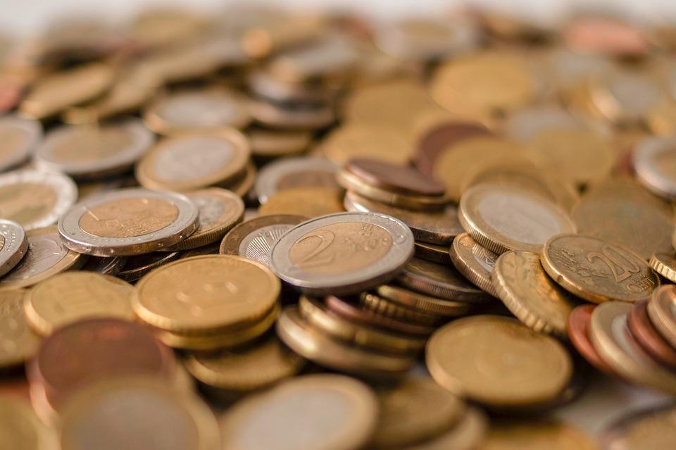 Banky umožní lidem tříměsíční odklad splátek hypoték a půjček